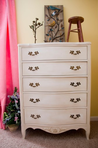 Chest painted in Maison Blanche Magnolia with dark and clear wax.